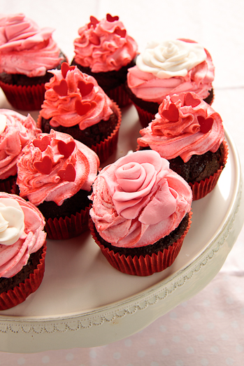 Chocolate Cupcake Strawberry Frosting
