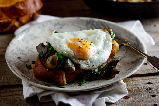 Creamy mushrooms with eggs