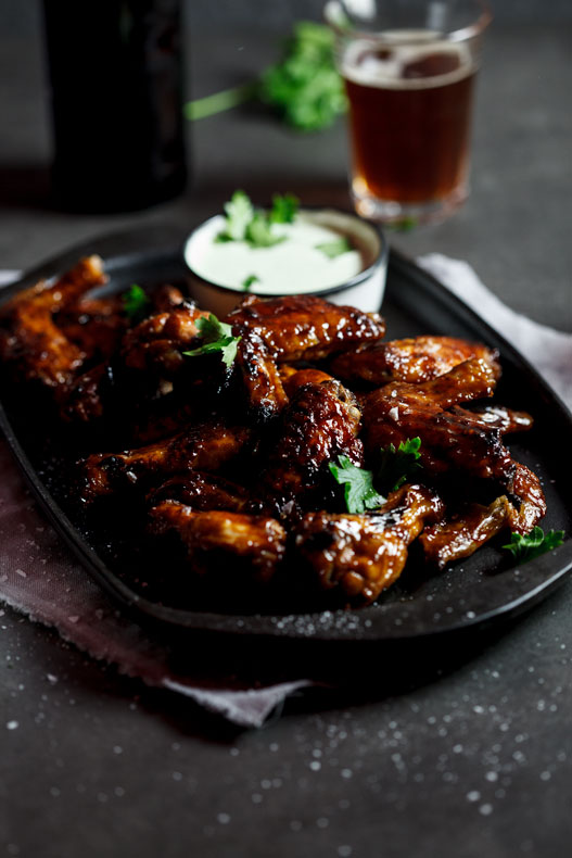 Sticky Chicken wings with ranch dressing