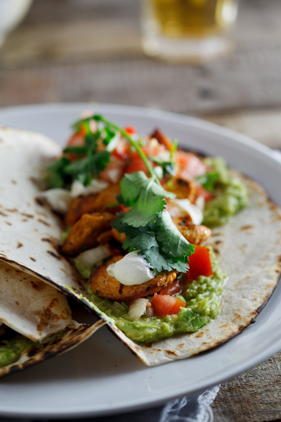 Chicken tacos with pico de gallo