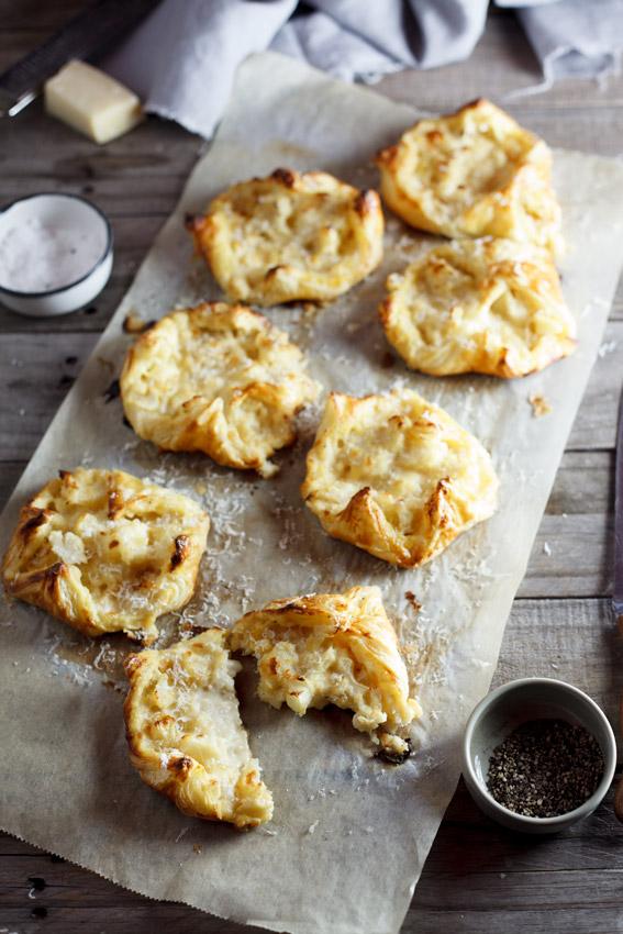 Caulifower cheese pastries