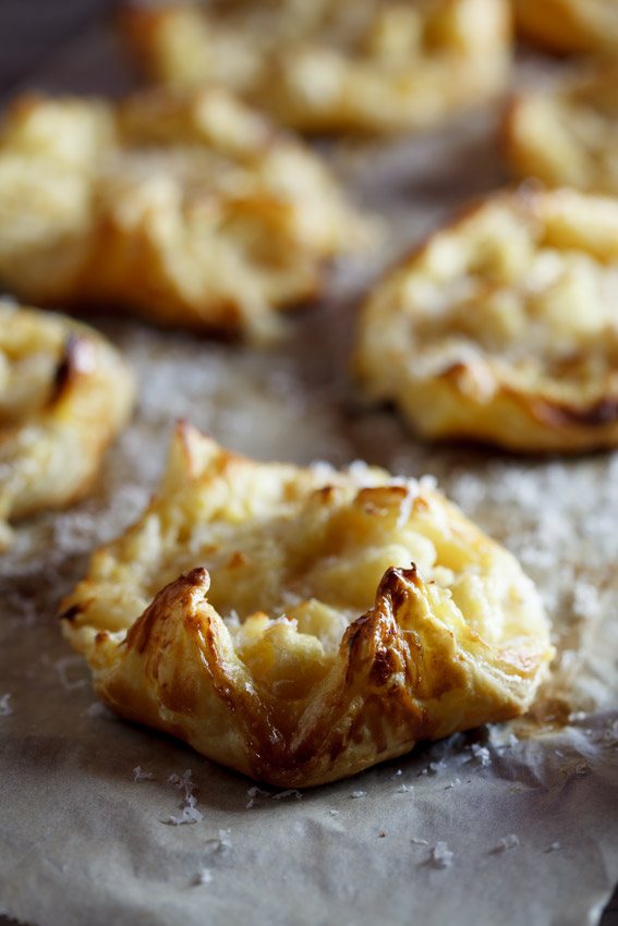 Caulifower cheese pastries