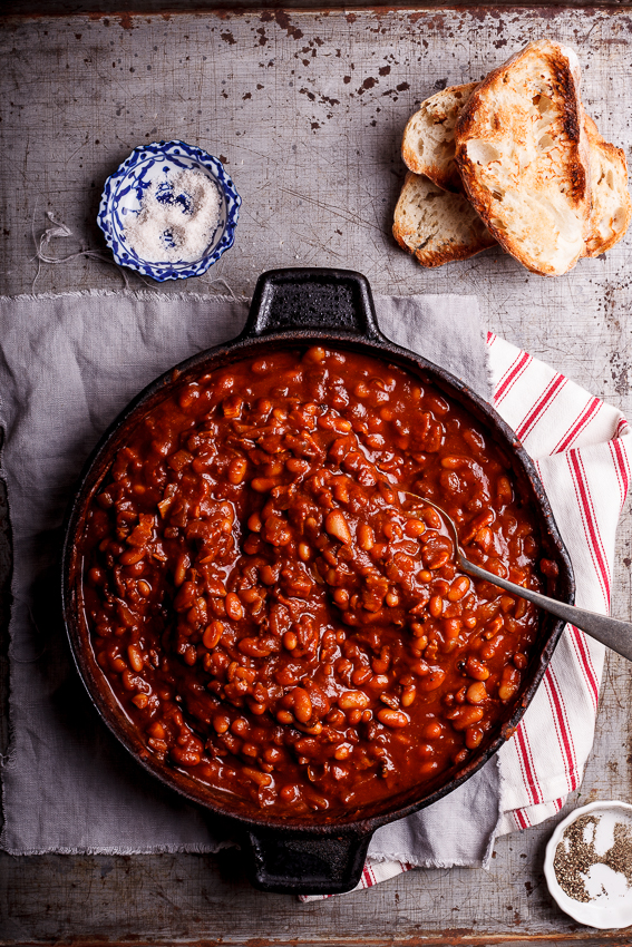 Sweet und smoky cowboy beans