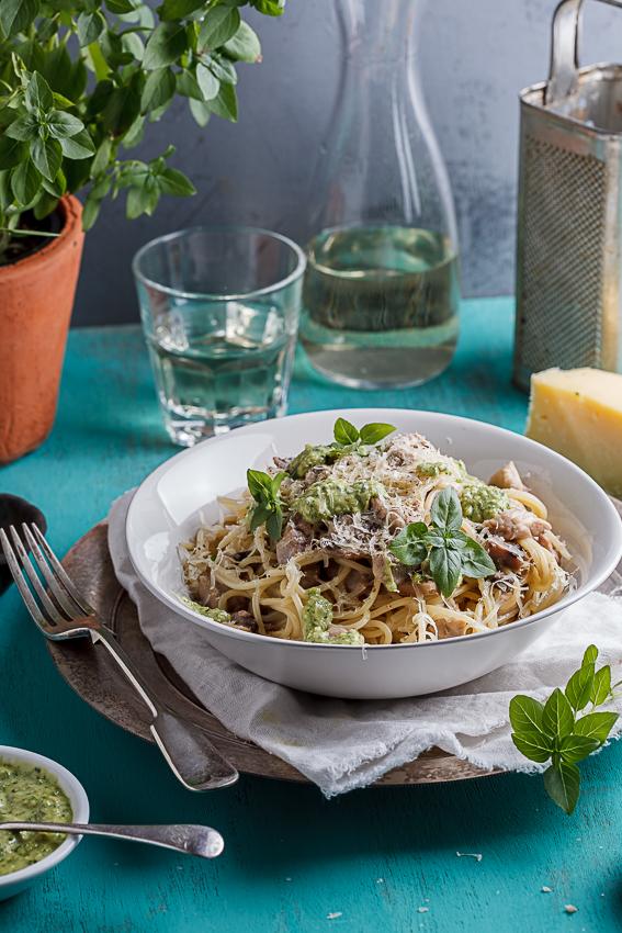 Chicken & mushroom pasta with basil pesto