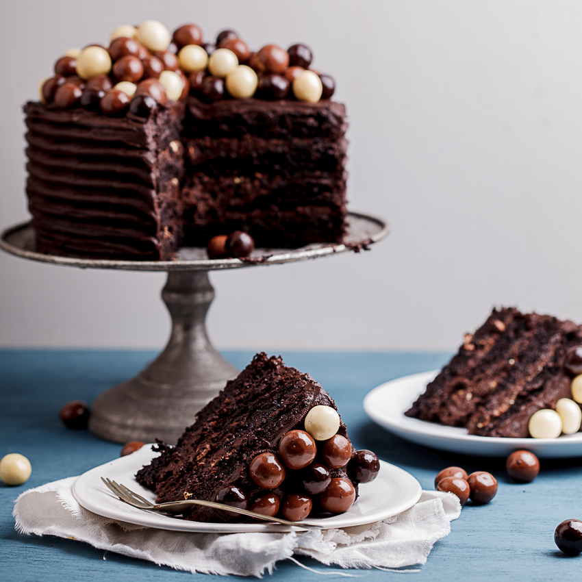 Chocolate Brownie Cake With Fudge Icing