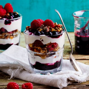 Low carb berry breakfast parfaits
