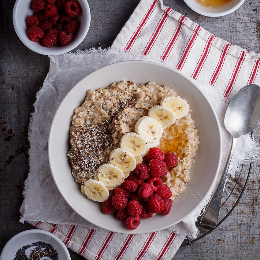 Creamy oats breakfast bowls