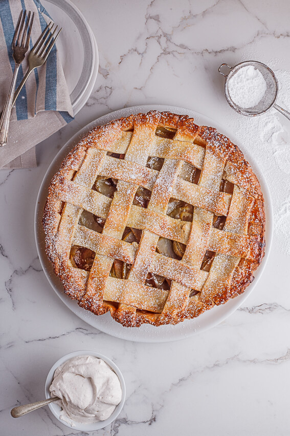 Classic apple pie with cinnamon cream