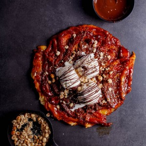 Banana tarte tatin with chocolate
