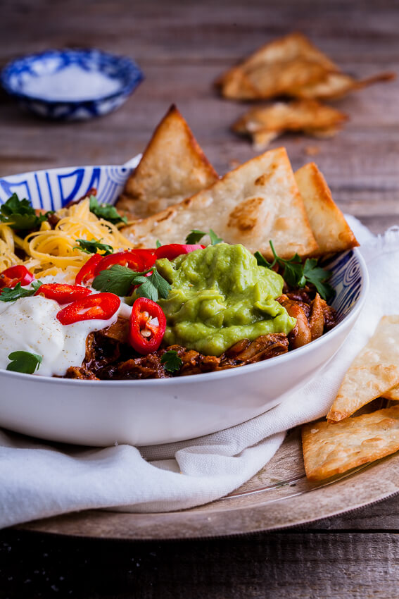 Chicken chili bowls with home-made tortilla chips