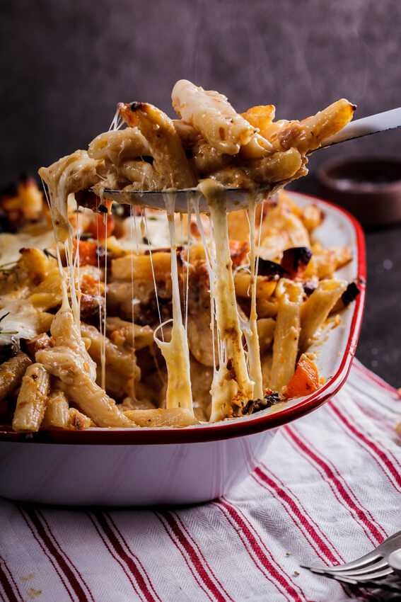 Roasted butternut and mozzarella pasta bake