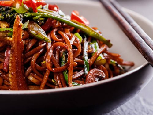 Easy vegetable chow mein simply delicious forumfinder Gallery
