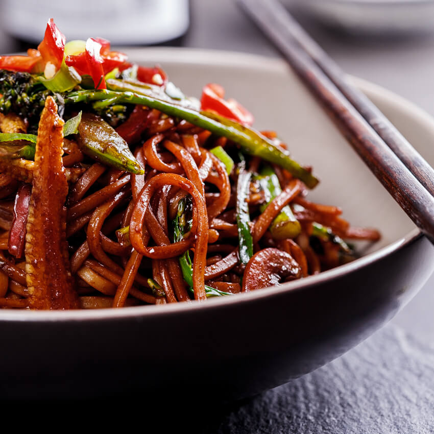 Easy vegetable chow mein simply delicious forumfinder Image collections