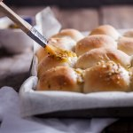 Easy garlic butter dinner rolls