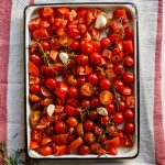 How to make easy roasted tomato sauce