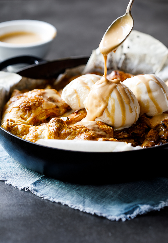 Easy caramel apple puff galette