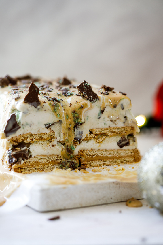 Mint-crisp caramel ice cream cake