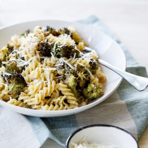 Creamy lemon broccoli pasta