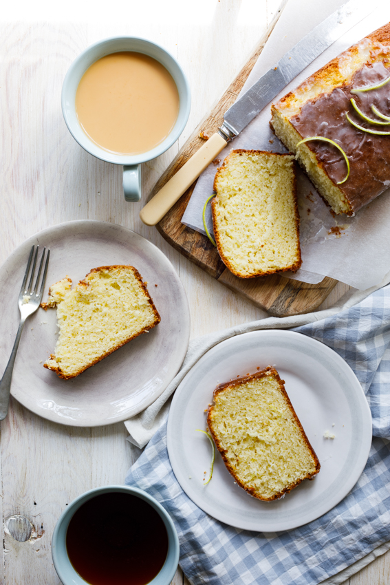 Easy lemon drizzle cake