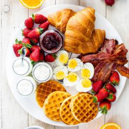 easy breakfast board