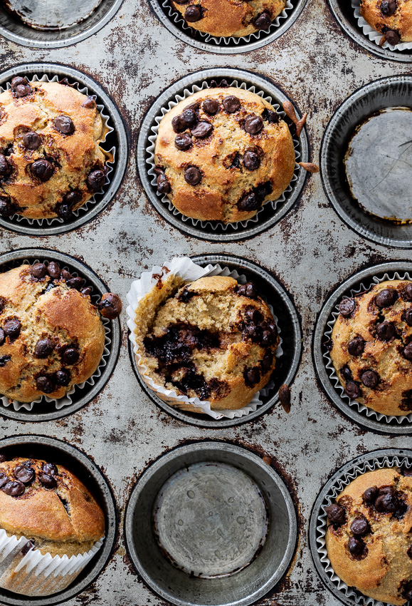 Easy healthy chocolate chip banana oat muffins