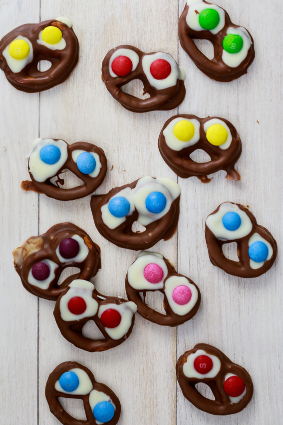Spooky pretzels for Halloween