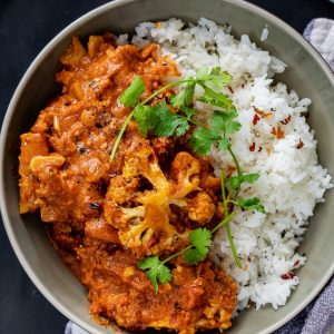 Easy cauliflower tikka masala curry