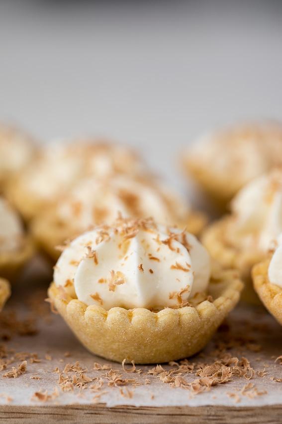 Easy mini banoffee pies