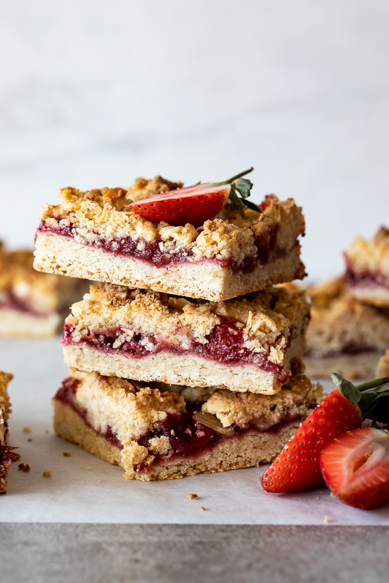 Coconut strawberry crumble bars