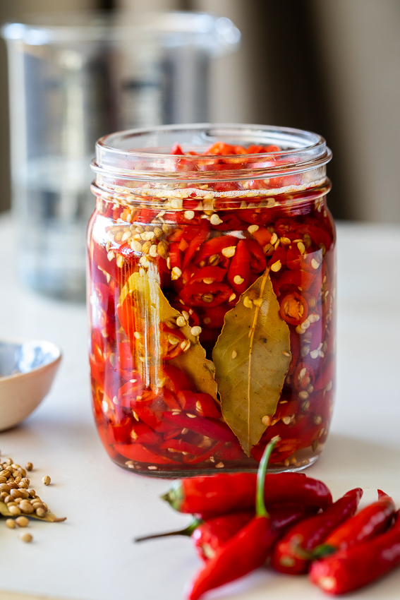 Easy pickled chillies