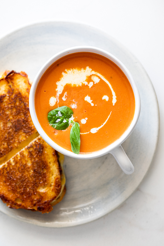 Easy tomato soup with grilled cheese