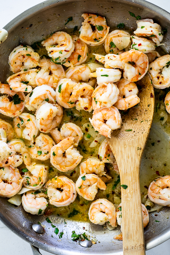 Shrimp cooked with garlic and chilli