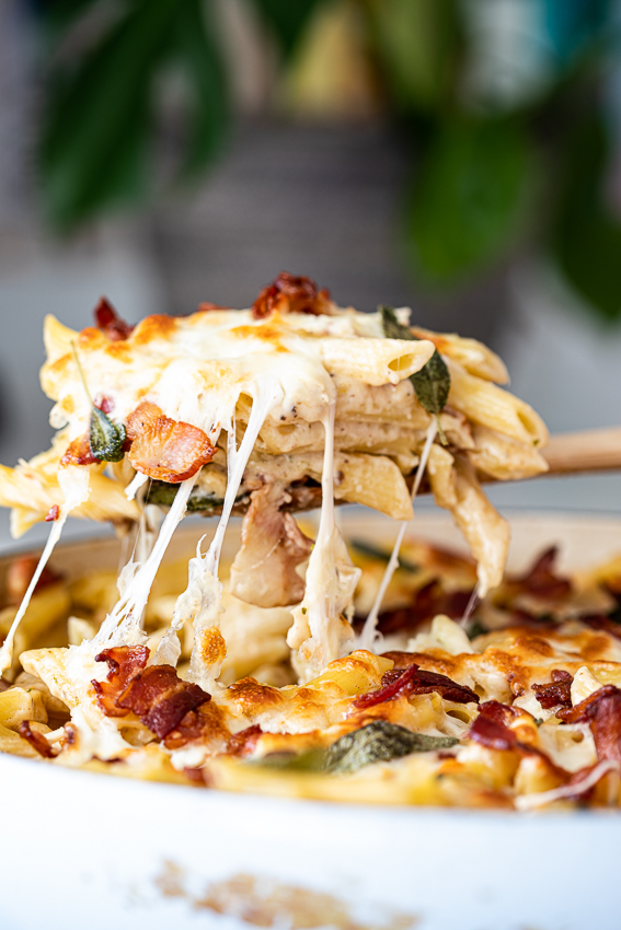 Pasta bake with creamy bacon sauce.