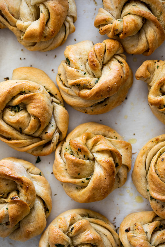 Swirly garlic rolls
