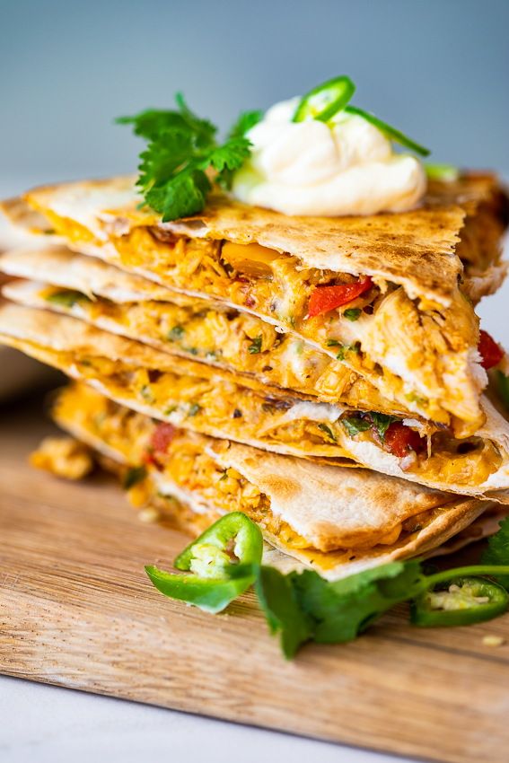 Spicy chicken quesadillas with peppers.