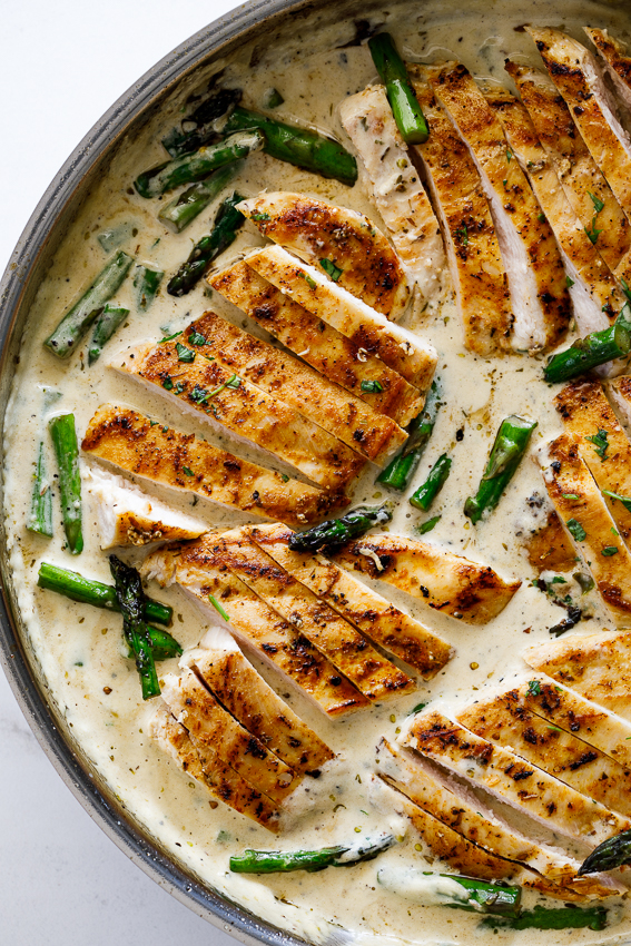Juicy chicken and asparagus in creamy lemon sauce.
