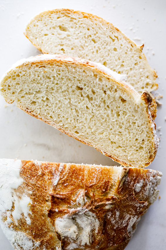 An easy recipe for crusty bread.