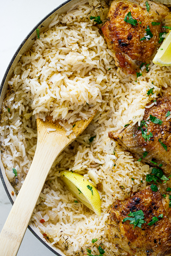 Fluffy rice with chicken thighs.