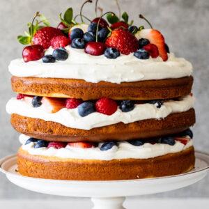 Fresh berry Chantilly cake