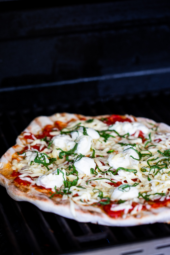 Pizza on the grill.