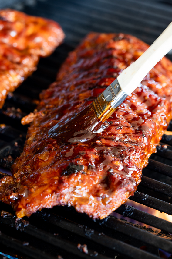 BBQ ribs on the grill.