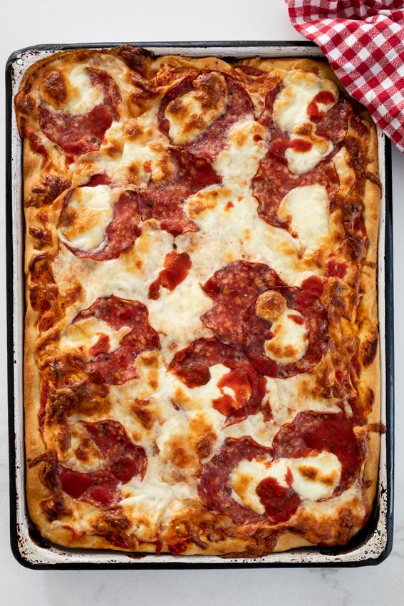 Salami sheetpan pizza