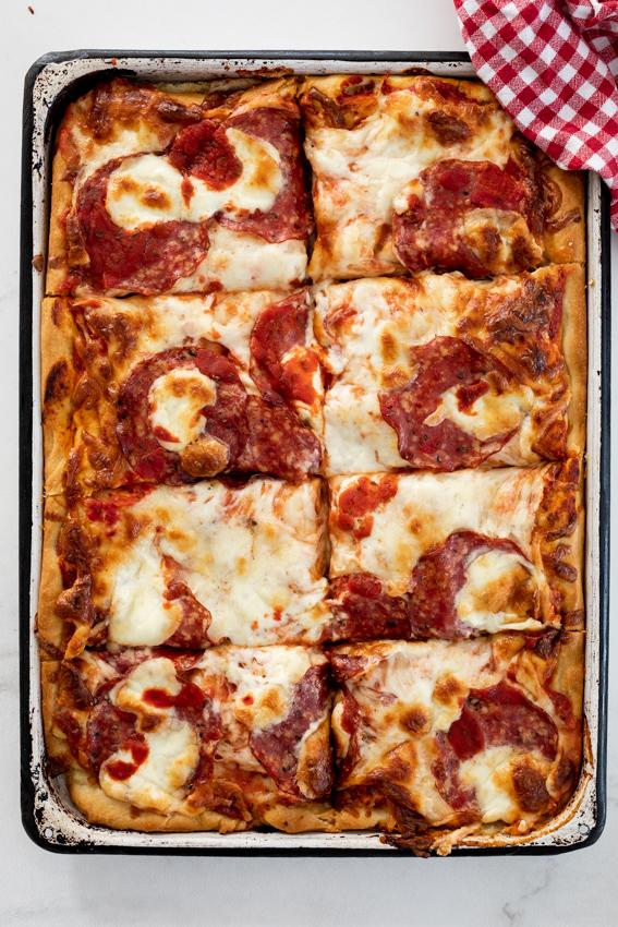 Cheesy salami Grandma pizza