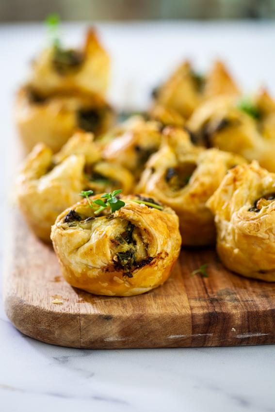 Cheesy spinach artichoke puffs