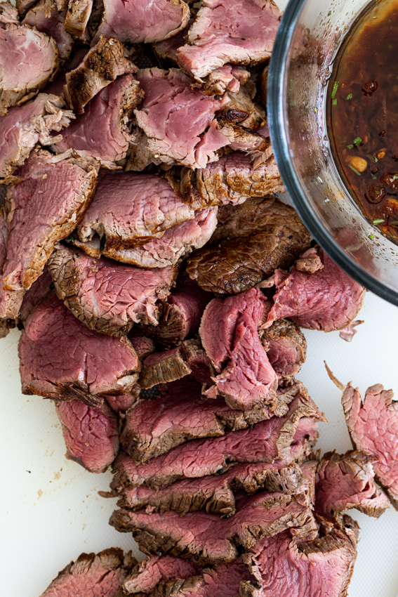 Thinly sliced fillet drizzled with sundried tomato garlic dressing.