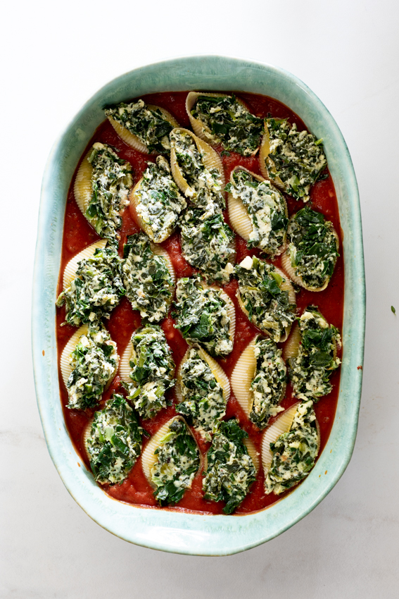 Creamed spinach stuffed shells
