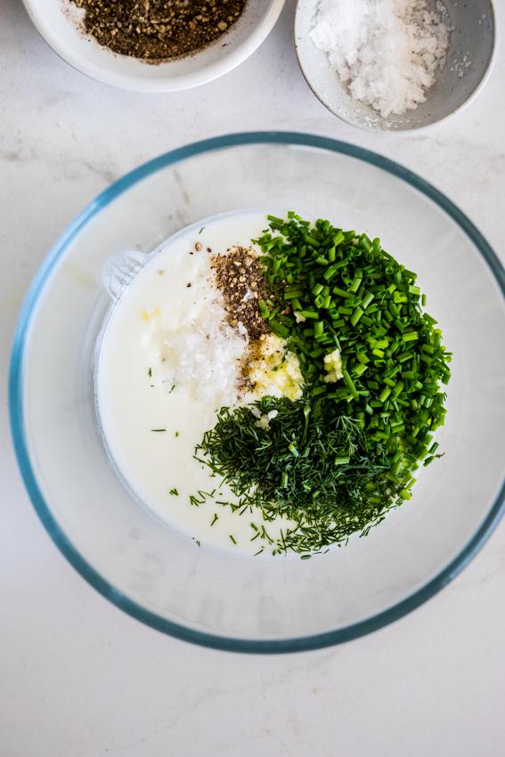 Garlic herb buttermilk dressing
