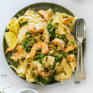Creamy Lemon Shrimp Pasta with Spring Vegetables